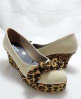 (AM-15) Sepatu Wedges Leopard