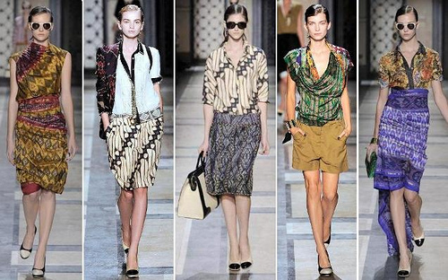 Batik-Paris-Fashion-Week-Dries-Van-Noten