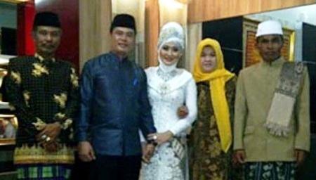 Foto-Pernikahan-Aceng-Fikri-dan-Fani-Oktora