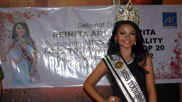 Putri Pariwisata 2012 Reinita Arlin Puspita